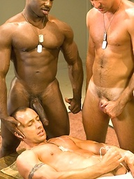 Muscle soldiers Kent North, Kyle Lewis, Marc Williams and Nick Horn fuck