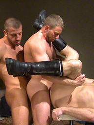 Hairy hunks Dirk Caber, Shay Michaels and Hunter Marx in a fuck train