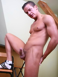 Muscle twink shows cock