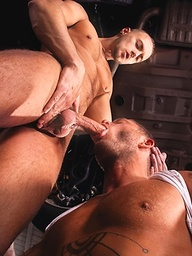 Hot muscle hunks Charlie Harding and Jessie Colter fucking