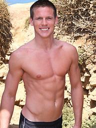 Firsttimer Steven posing naked