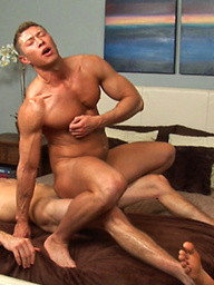 Muscled studs Johnny and Sander anal fun