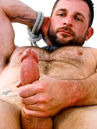 Hairy hunk Morgan Black