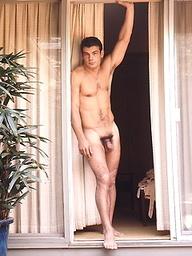 Hot hunk posing naked