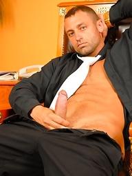 Muscle stud Renato Bellagio strokes dick