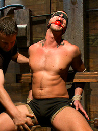 Jesse Colter flogged, edged, and cumming handfree with electricity