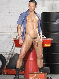 Hard working man Marko Hansom gets naked