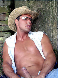 Horny cowboy Marcello pulls his cock hard outdoors